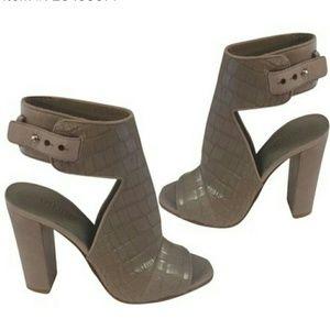 Vince Shoes Gavin Leather Slide Sandals In Moss Poshmark
